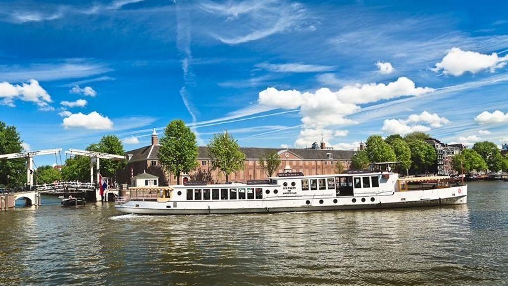 Salonboot het Wapen van Amsterdam